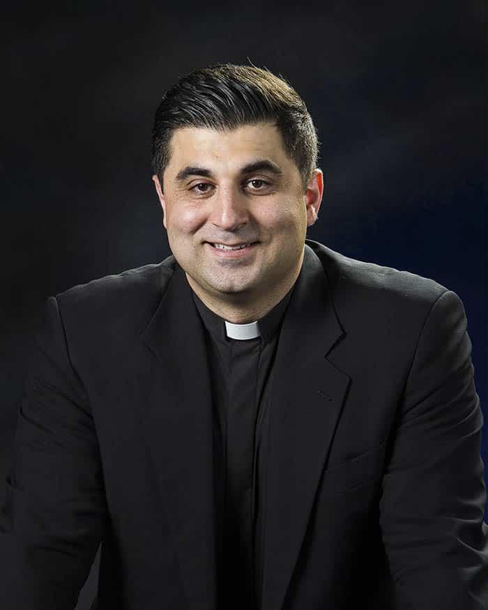 Старший Пастор Рубен Зограбян